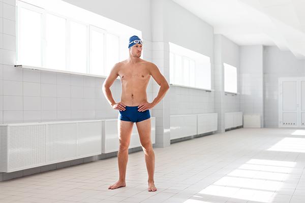 Szorty czy kąpielówki Co najlepiej wybrać na basen