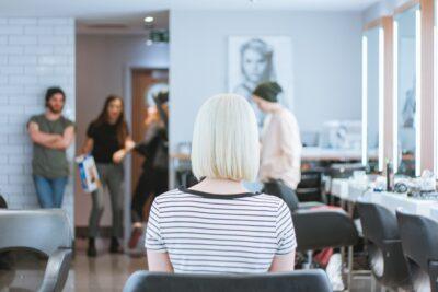 Jaka fryzura dla jakich włosów, twarzy, karnacji. Od czego zależy wybór fryzury